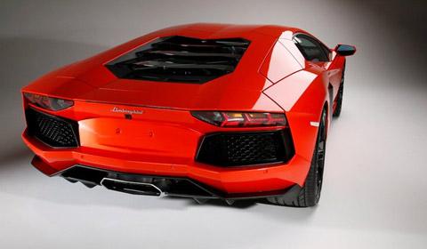 Leaked Rear View 2012 Lamborghini LP700-4 Aventador