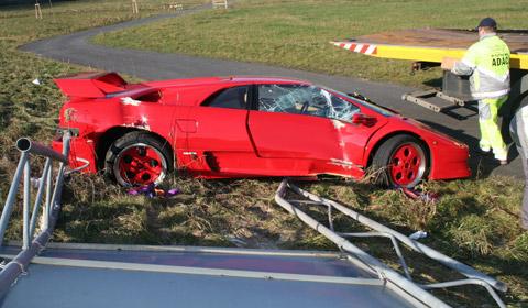 93 Lamborghini Diablo Vt. Lamborghini Diablo VT crash