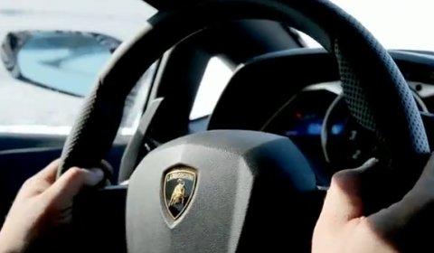 Video Lamborghini LP700-4 Aventador Shows Interior