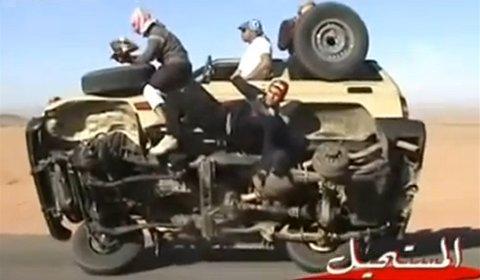 Video Skilled Saudi Stuntmen Change Wheels