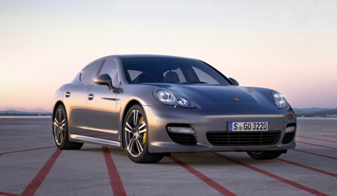 Official: Porsche Panamera Turbo S
