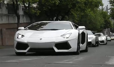 Video Lamborghini Aventador LP700-4 x 7