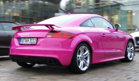 German Audi TT-RS in Pink