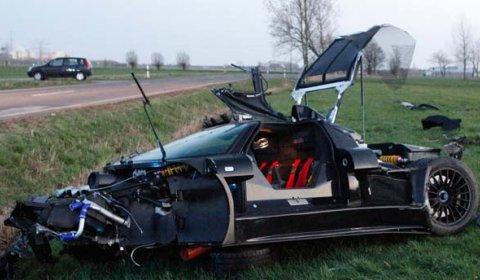 Car Crash 20-year-old Driver Destroys Gumpert Apollo