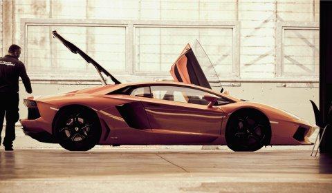 Photo Of The Day 2012 Lamborghini LP700-4 Aventador 01