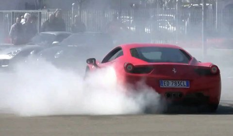 Video Ferrari 458 Italia Burnout