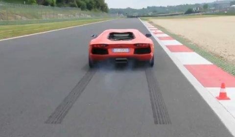 Video Lamborghini Aventador LP700-4 Launch Control