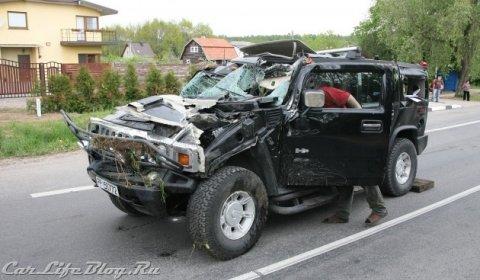 Car Crash Drunken Driver Crashes Hummer H2 in Lithuania 01