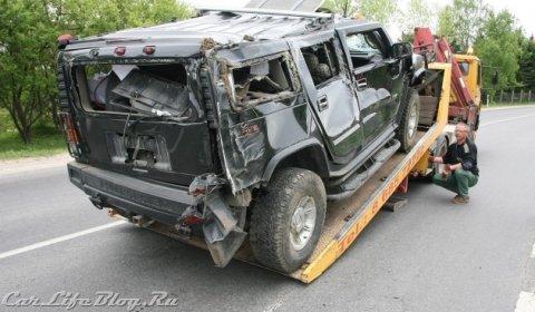 Car Crash Drunken Driver Crashes Hummer H2 in Lithuania 02
