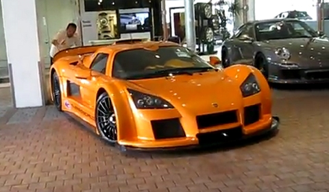 How Not To Park Your Gumpert Apollo!