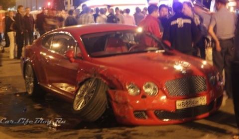 Car Crash Illegal Night Race Through Moscow Ten People Injured