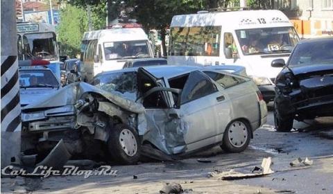 Car Crash Russian Porsche Cayenne Involved in Fatal Accident