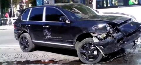 Car Crash Russian Porsche Cayenne Involved in Fatal Accident 01