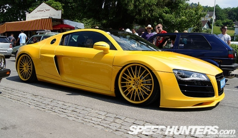 Overkill Audi R8 - Too Low, Too Yellow