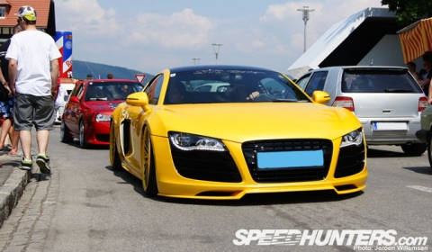 Overkill Audi R8 - Too Low, Too Yellow 01