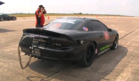 Video Camaro Sliding Sideways at 244mph During Texas Mile