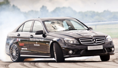 Video Mercedes Sets New Drifting Guinness World Record