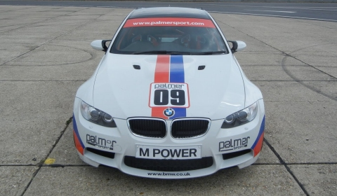 Video Racing BMW M3 GTP Around Bedford