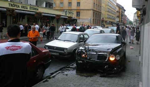 Car Crash Bentley Wrecked in Budapest