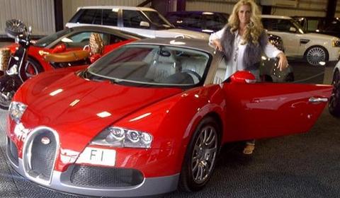 Katie Price Paints Her Bugatti Veyron Pink