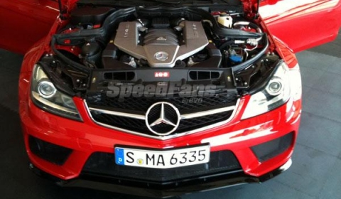 Mercedes C63 AMG Black Series Coupe Shows Its Face Ahead of Debut 03