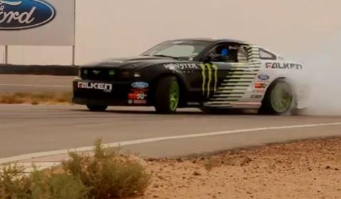 Video Vaughn Gittin JR Drifting in the Kingdom of Saudi Arabia