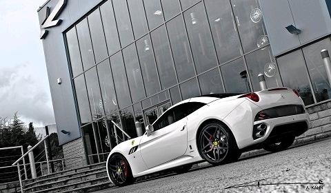 Official Ferrari California 2+2 S-A Kahn Monza Edition