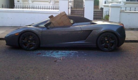 Lamborghini Gallardo Spyder Victim of London Riots