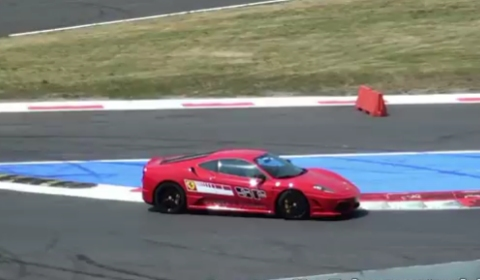 Video Ferrari 430 Scuderia with Straight Pipes at Monza