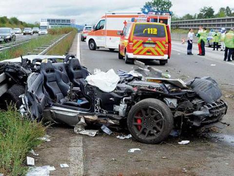 Car Crash Dodge Viper On The Autobahn Gtspirit