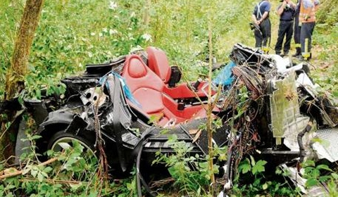 Car Crash Two Mercedes-Benz Test Drivers Killed While Driving McLaren SLR