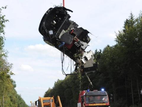 Car Crash Two Mercedes-Benz Test Drivers Killed While Driving McLaren SLR 02