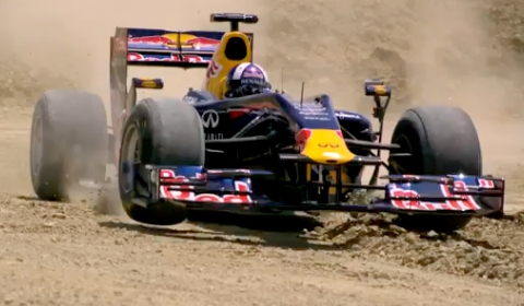 Video David Coulthard Goes Off-road in a Red Bull Renault F1 Car in Texas