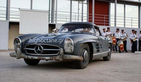 Greek City Auctions Off A 1960 Mercedes 300SL Roadster