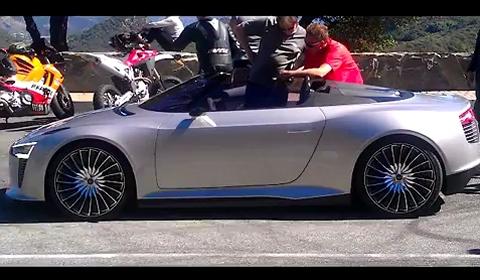 Video Hybrid Audi E-tron Spyder in California