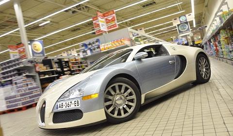 Bugatti Veyron Driven in a Supermarket