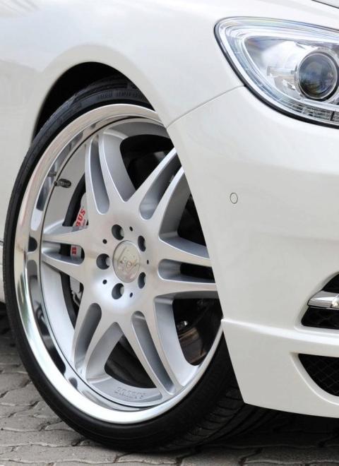 Brabus at Dubai Motor Show 2011 01