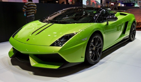 Video Dubai Motor Show 2011 Supercars