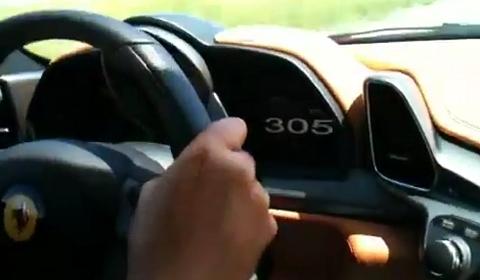Video Ferrari 458 Italia in Mérida Mexico doing 305km/h