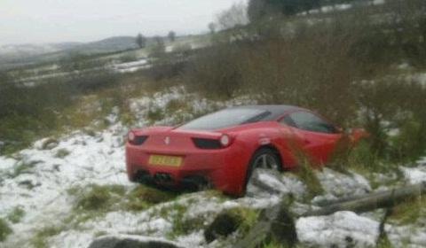 Ferrari 458 Italia Crash in United Kingdom