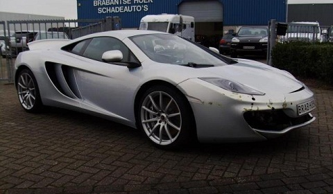 Wrecked McLaren MP4-12C in Holland