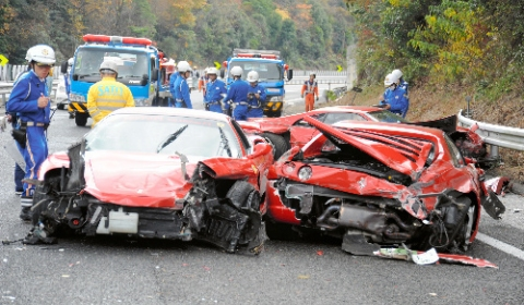 Supercar Highway Pile up in Japan 01