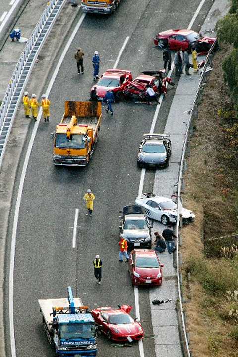 Supercar Highway Pile up in Japan 02