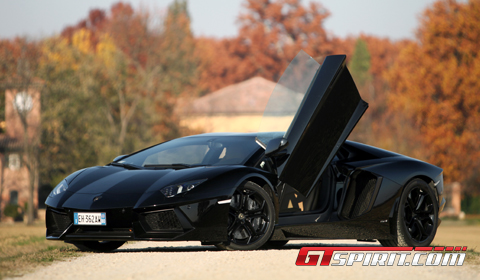 Road Test 2012 Lamborghini LP700- 4 Aventador 01