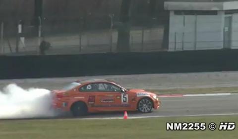 Video BMW M3 E92 with Akrapovic Exhaust Drifting