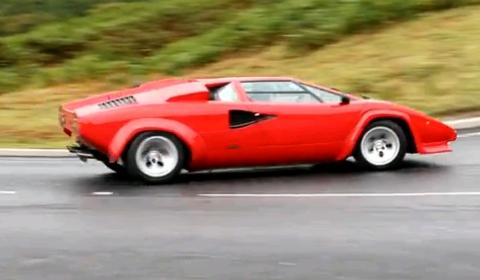 Video Lamborghini Countach Drift