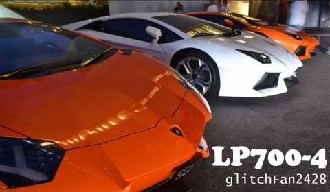 Video Eight Lamborghin​i Aventadors in One Car Park