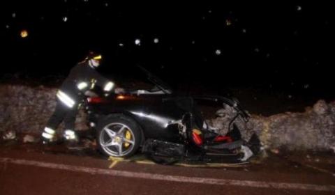 car_crash_ferrari_458_italia_wrecked_in_italy.jpg