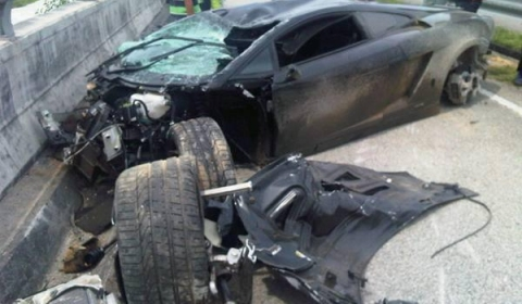 Car Crash Lamborghini Gallardo LP560-4 Wrecked in Subang Malaysia