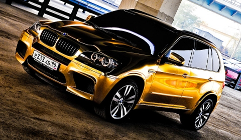 Golden BMW X5 M